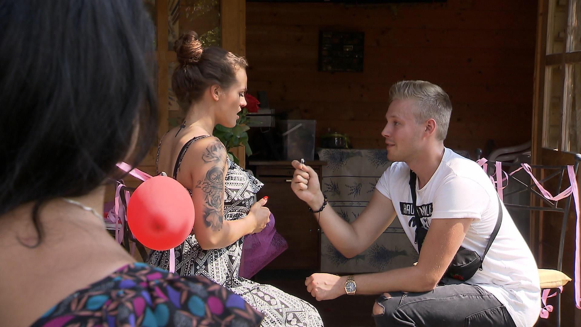 'Carmen, willst Du mich heiraten?' | Folge 150