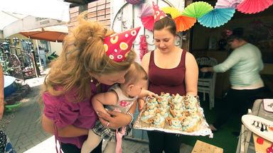 Die Wollnys - Eine Schrecklich Große Familie! - Celinas 1. Geburtstag
