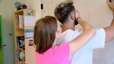Krass Schule - Die Jungen Lehrer - Hilfe, Meine Schülerin Liebt Mich!