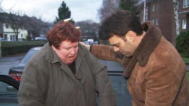 Familien Im Brennpunkt - Krawallige Mutter Terrorisiert Sohn Und Dessen Freundin