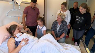 Die Wollnys - Eine Schrecklich Große Familie! - Baby Anastasia Kommt Nach Hause