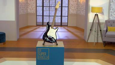 Die Superhändler - 4 Räume, 1 Deal - Fender Gitarre Mit Autogramm \/ Autokennzeichen \/ Aschenbecher Hermes \/ Hellomat