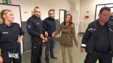 Die Wache Hamburg - Die Wahrsagerin - Spanner Filmt Im Hotel - Betrunkene Frau Glaubt Jemanden Totgefahren Zu Haben - Un