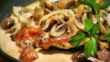Essen & Trinken - Für Jeden Tag - Schnitzel Dich Glücklich - Köstliche Schnitzel-klassiker