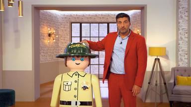 Die Superhändler - 4 Räume, 1 Deal - Xxl Playmobil Figur Ranger \/ Itoma Lichtreklame \/ Goldring Mit Amethyst \/ Designerteekanne