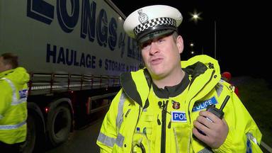 A1: Highway Patrol - Eine Lastwagenpanne Legt Den Verkehr Lahm