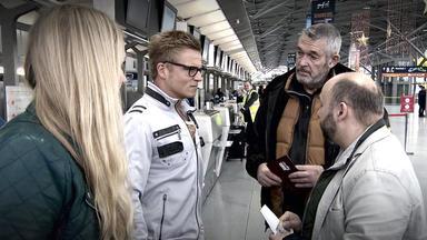 Verdachtsfälle - Frau Erfährt Am Flughafen, Dass Ein Haftbefehl Gegen Ihren Freund Erlassen Wurde