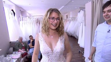 Zwischen Tüll Und Tränen - Babybauch Im Brautkleid