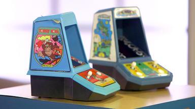 Die Superhändler - 4 Räume, 1 Deal - Mini Arcade Automaten \/ Architektenstuhl \/ Feuerschirm \/ Arbeitslampe Jacobus