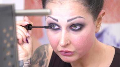 Let's Glow - Die Make-up-challenge - Mottos: \