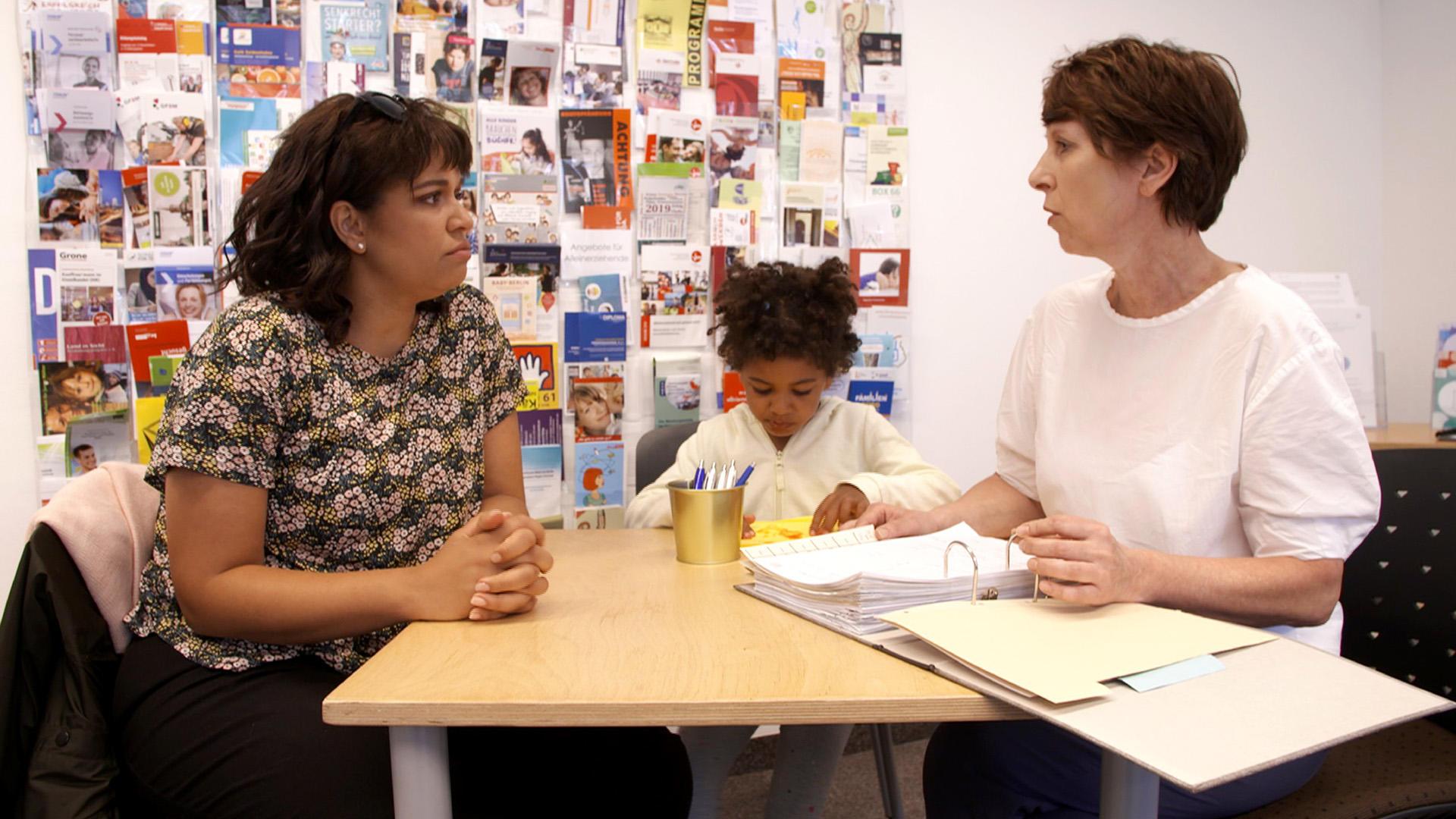 Alleinerziehend und alleingelassen - Wer hilft Deutschlands Single Müttern? | Folge 6