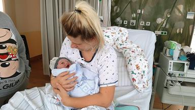 Teenie-mütter - Wenn Kinder Kinder Kriegen - Nina Muss Babystress Und Beziehung In Einklang Bringen