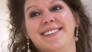 Zwischen Tüll Und Tränen - Disney-fan Auf Brautkleidsuche