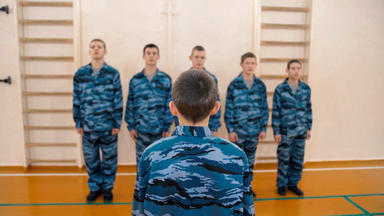 Zwischen Knast Und Kinderzimmer - Jugendhaft In Russland - Zwischen Knast Und Kinderzimmer - Jugendhaft In Russland