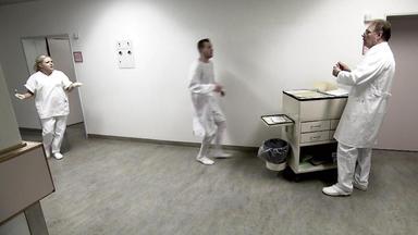 Verdachtsfälle - 23-jähriger Flüchtet Vor Krankenschwester