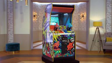 Die Superhändler - 4 Räume, 1 Deal - Videospielautomat \/ Wmf-set \/ Vitrine \/ Puderdose 50er