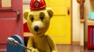 Benedikt, Der Teddybär - Mit Einem Arm