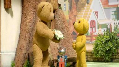 Benedikt, Der Teddybär - Quietscheentchen