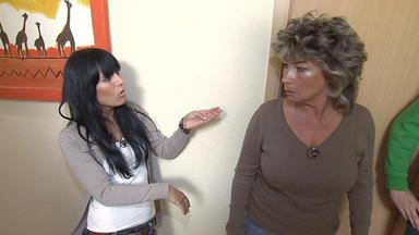Familien Im Brennpunkt - Scheidungskrieg Der Eltern Bringt 17-jährige Auf Die Palme