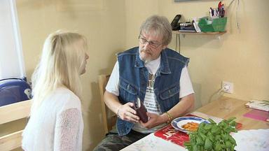 Familien Im Brennpunkt - Haushälterin Nimmt Faulen Vater Aus