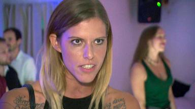 Verdachtsfälle - Frau Hinterfragt, Was Ihr Traummann Von Ihrer Unsportlichen Freundin Will