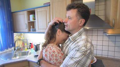Familien Im Brennpunkt - 18-jährige Verschwindet Nach Date Mit Internetliebe