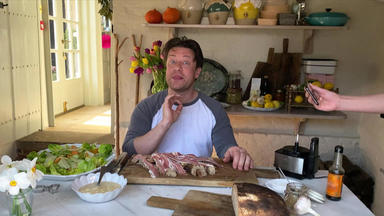 Jamie Oliver: Keep Cooking And Carry On - Frischer Cesar Salad, Kabeljau Und Mehr