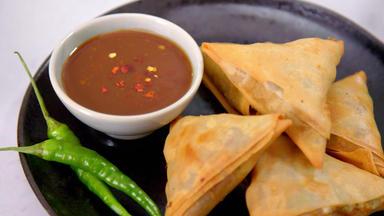 Die Besten Rezepte Der Indischen Küche - Raffinierter Kachumber-salat Mit Fladenbrot