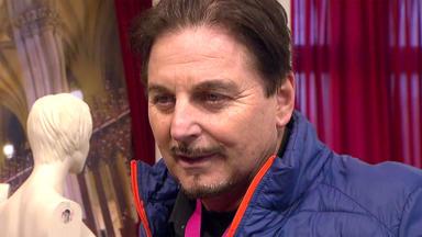 Zwischen Tüll Und Tränen - Uwe Herrmann Zieht Um