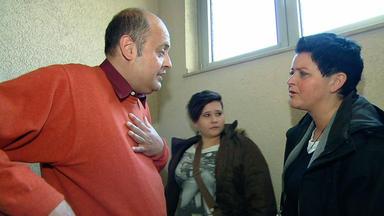 Familien Im Brennpunkt - Skrupelloser Vermieter Will Familie Aus Seinem Haus Drängen