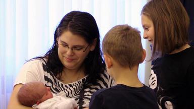 Die Babystation - Jeden Tag Ein Kleines Wunder - Sabrina Und Bj\u00f6rn