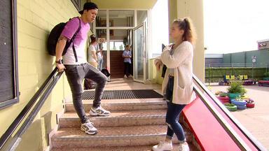 Krass Schule - Die Jungen Lehrer - Haschkekse Für Lehrer!