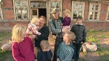 Die Schnäppchenhäuser - Großfamilie Benötigt Platz Zum Wohnen Und Austoben, Eine