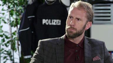 110 - Echte Fälle Der Polizei - Die Pferdewirtin \/ Der Goldene Keks \/ Kommissar Mit Herz