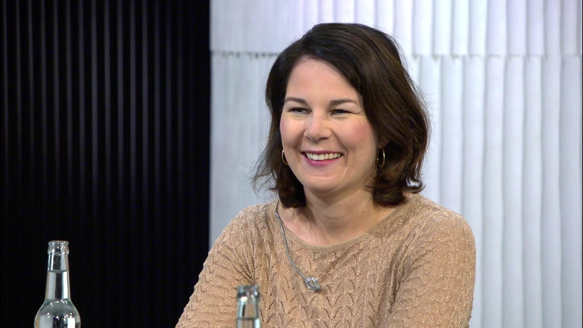 Zu Gast: Annalena Baerbock  | Folge 19