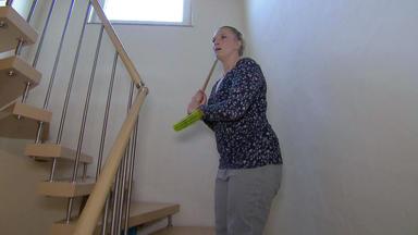 Verdachtsfälle - Frau Fragt Sich, Wer Ihre Schwester Bedroht