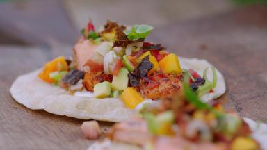 Jamie Oliver: 7 Mal Anders - Familienrezepte Für Die Ganze Woche - Fruchtige Fisch-tacos