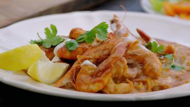 Jamie Oliver: 7 Mal Anders - Familienrezepte Für Die Ganze Woche - Schnelles Garnelen-curry