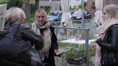 110 - Echte Fälle Der Polizei - Schuhräuber Treibt Sein Unwesen \/ Verfolgungsjagd Endet überraschend \/ Mutmaßlicher Spanner
