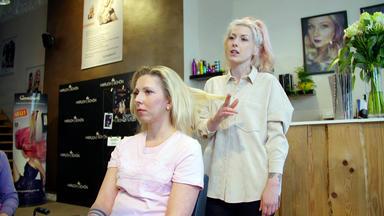 Einfach Hairlich - Die Friseure - Zwischen Wicklern Und Waschbecken