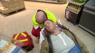 Der Blaulichtreport - 28-jähriger Liegt In Supermarkt-kühltruhe