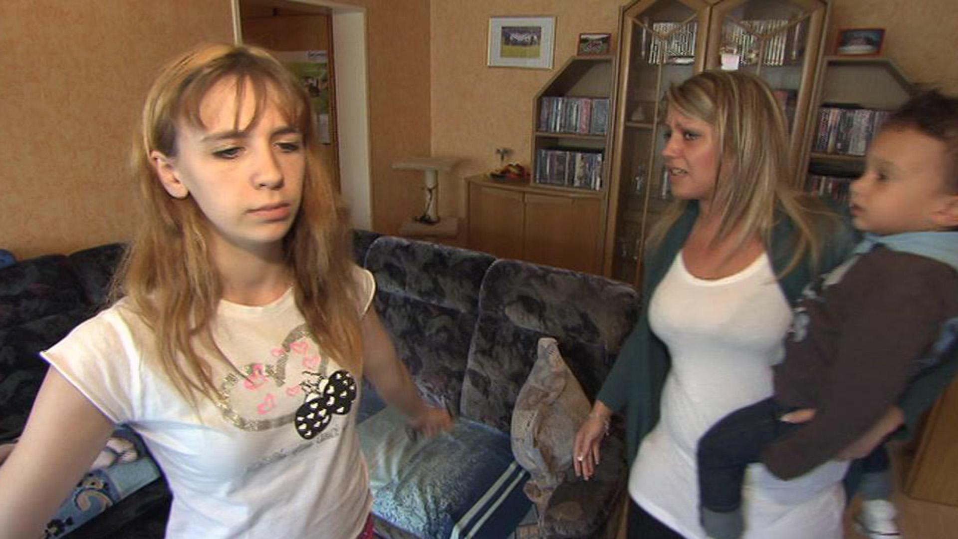 17-Jährige wird von jüngerer, schwangerer Schwester und Mutter genervt   Folge 54