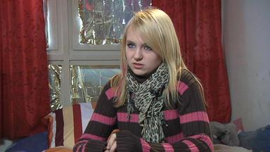 Familien Im Brennpunkt - 14-jährige Schämt Sich Für Die Armut Ihrer Eltern