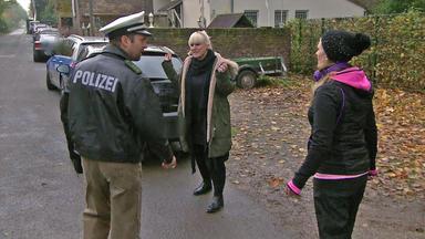 Der Blaulichtreport - Merkwürdiger Polizist Zwingt Autofahrerin Zu Bluttest