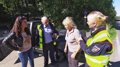 Verdachtsfälle - 75-jährige Auf Pick-up-ladefläche Gerät In Radarkontrolle