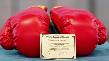 Die Superhändler - 4 Räume, 1 Deal - Boxhandschuhe Mit Muhammad Ali Signatur \/ Keramikstehlampe