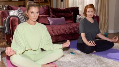 Gzsz - Sunny Hat Den Eindruck, Dass Yoga Nicht Das Richtige Für Toni Ist
