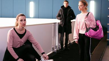 Alles Was Zählt - Chiara Kehrt Unter Schmerzen Aufs Eis Zurück