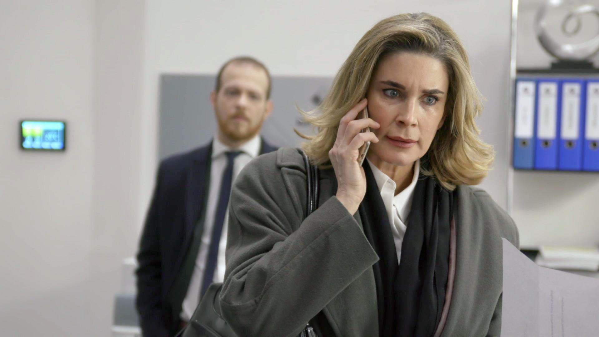 Eva will unbedingt ihre Anwaltslizenz zurückbekommen | Folge 6591