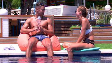 Love Island Uk - Day 17